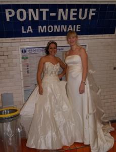 Les mariées dans le Metro